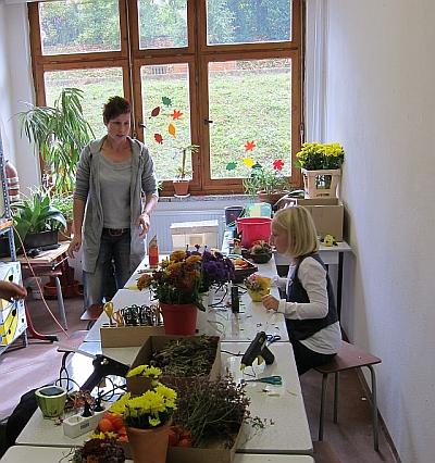 Herbstschmuck basteln t lerschule ottendorf for Herbstschmuck basteln