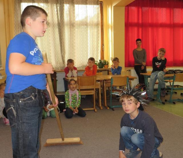 Igel projekt der klasse 2 t lerschule ottendorf for Herbstschmuck basteln